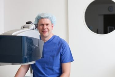 Dr. Robert Löblich